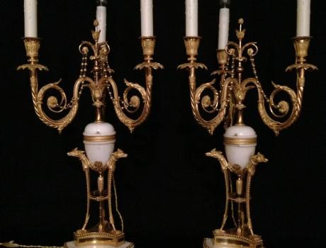 Paire de candélabres à trois lumières