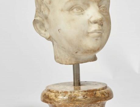 Tête d'enfant en marbre XVIIIe