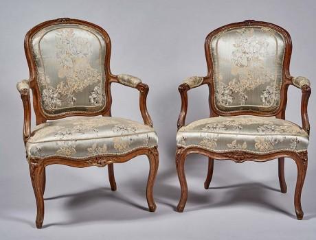 Paire de fauteuils cabriolet Louis XV