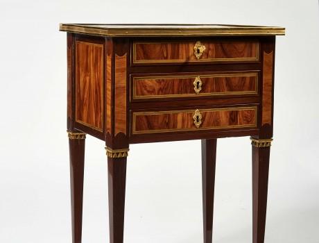 Petite table chiffonnière Louis XVI