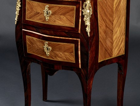Commode estampillée Ellaume
